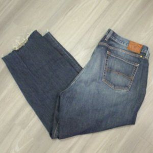 Nice! Lucky Brand 181 Straight Fit Jeans 42x32